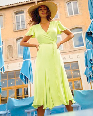 Perfect for summer, Scotch & Soda's seaweed green midi wrap dress, featured at Moda.
